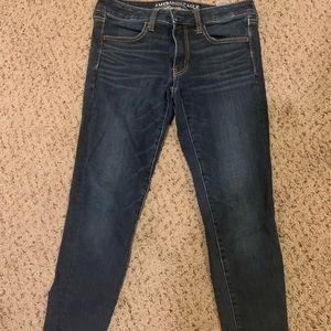American eagle dark denim skinny jeans, size 6
